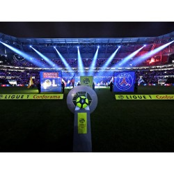 Olympique Lyonnais / PSG Virage Nord Supérieur